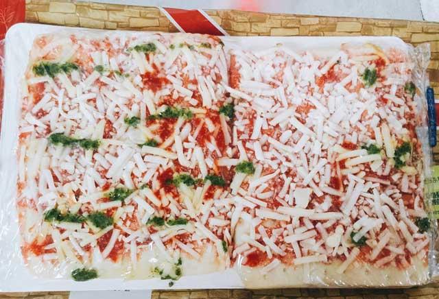糖質制限用ピザを焼く前